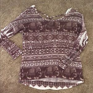 Thin long sleeve sweater/shirt with cute back